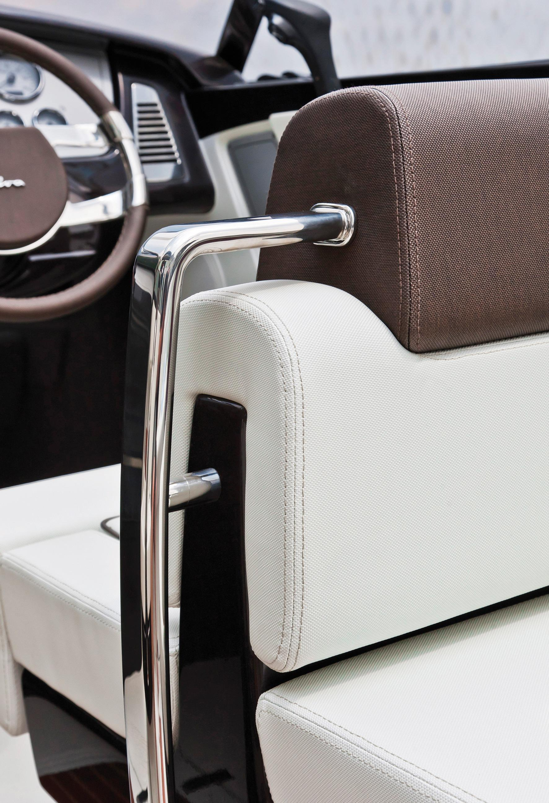 Manufacturer Provided Image: Riva Iseo Helm Seat