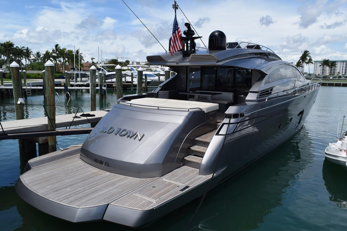 2015 Pershing 82 - Aft View