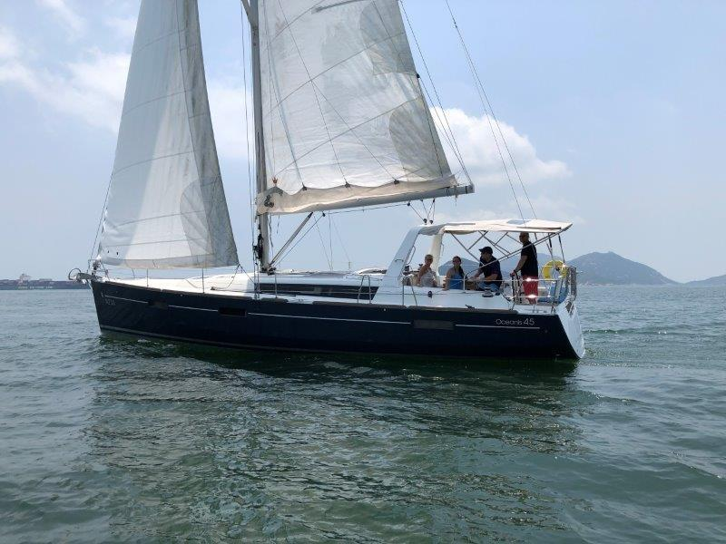 Beneteau Oceanis 45 Photo