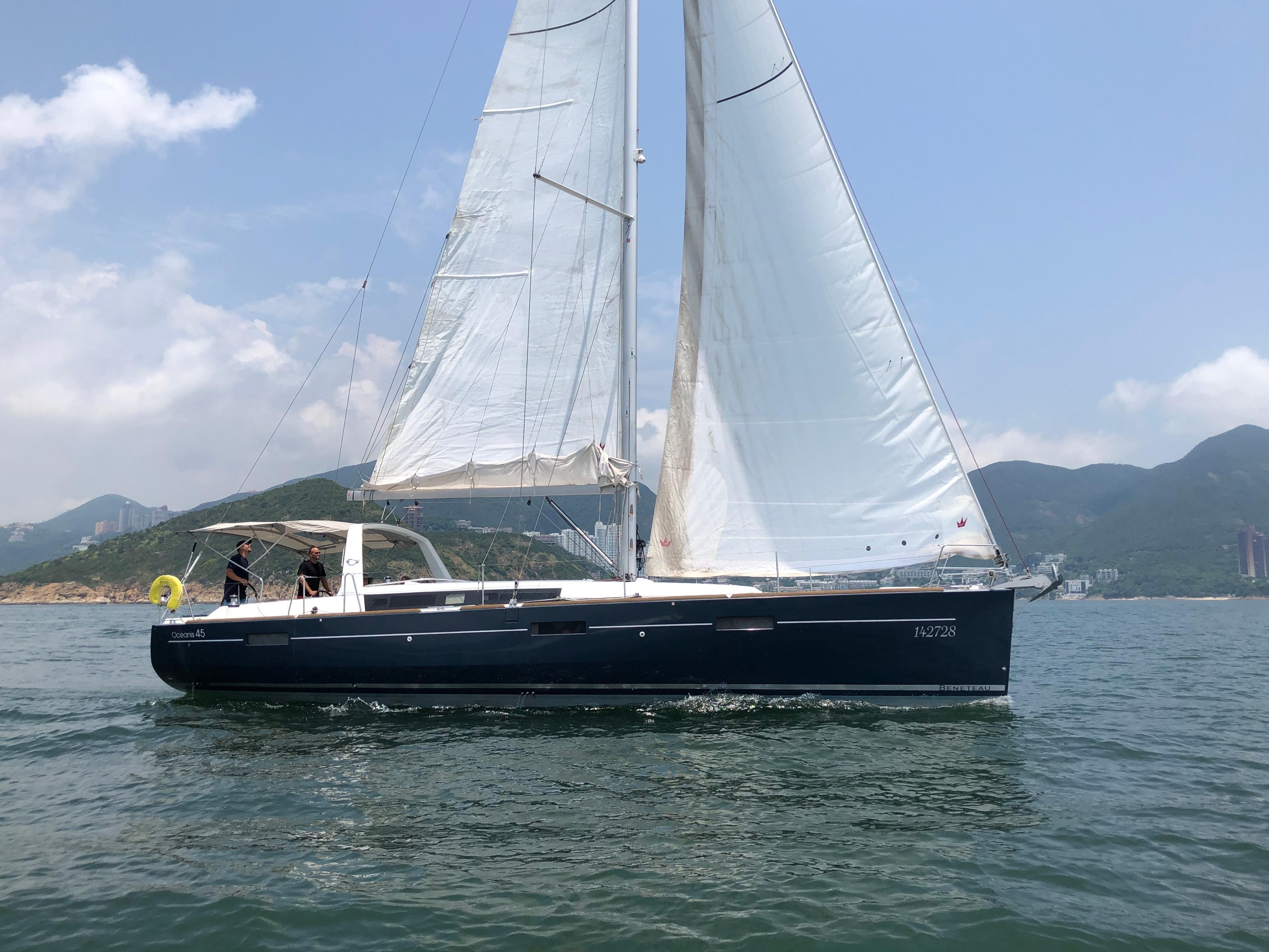 Beneteau Oceanis 45 Profile