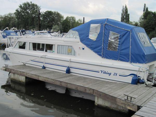 Viking 28 Canal Boat