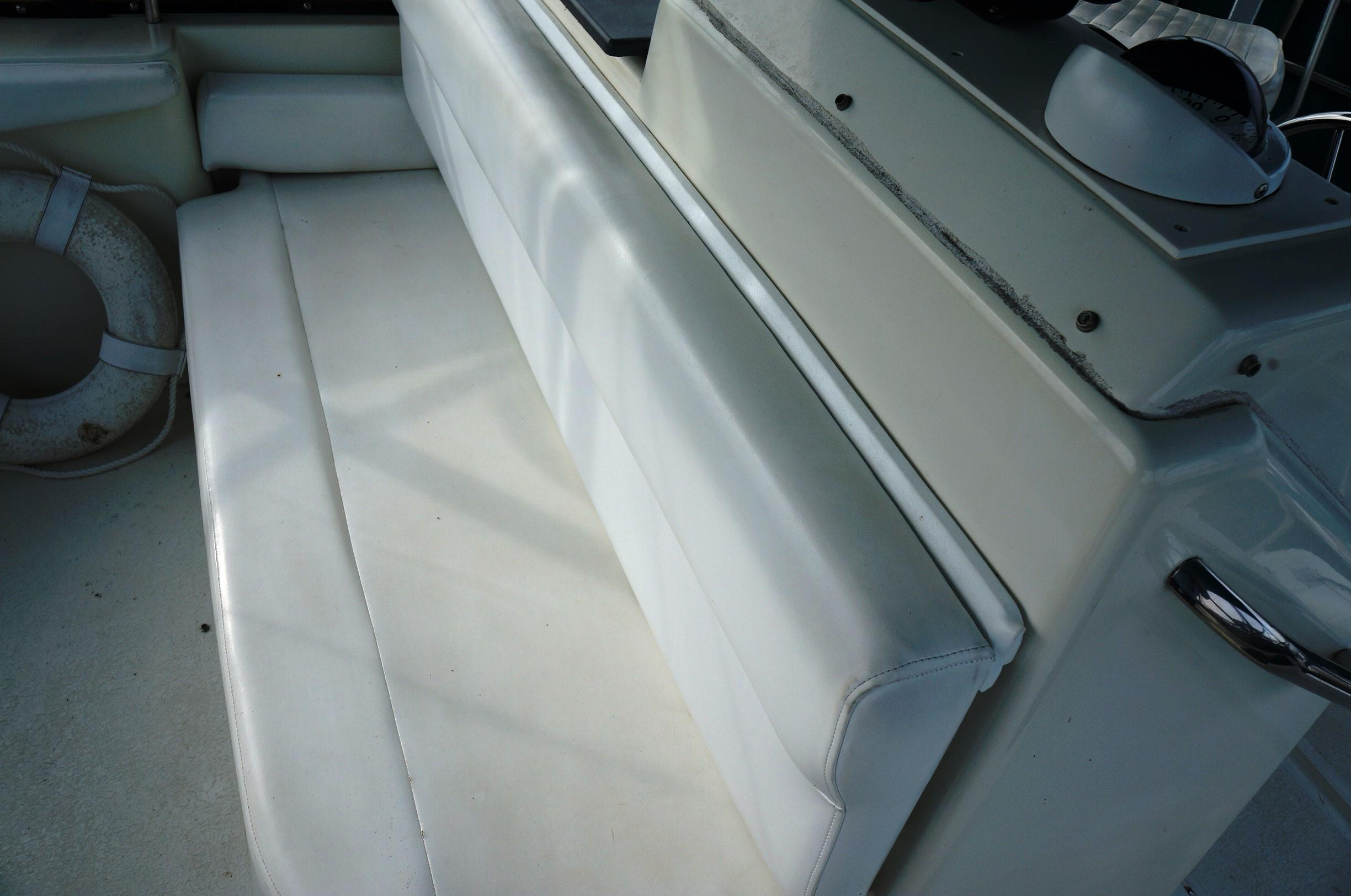 Fwd. Helm Seating