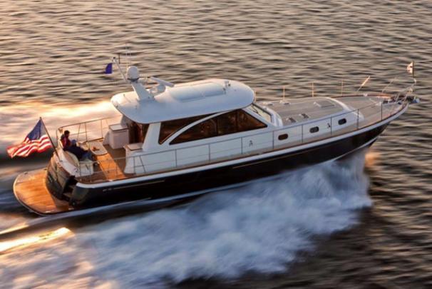 Hunt Yachts52' Sedan & Flybridge Cruiser