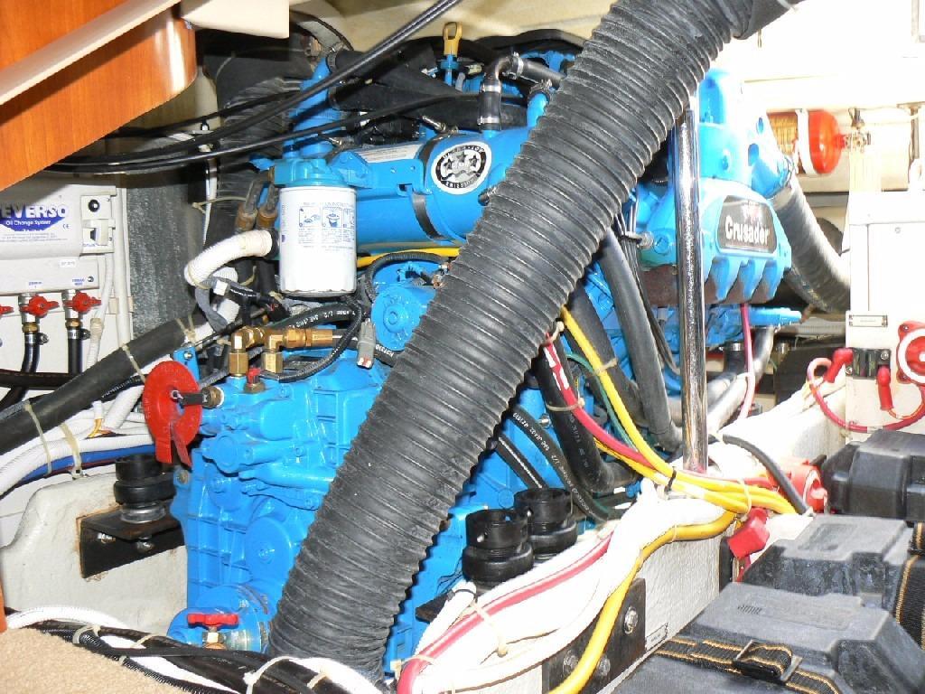Carver 360 Mariner - Starboard Engine