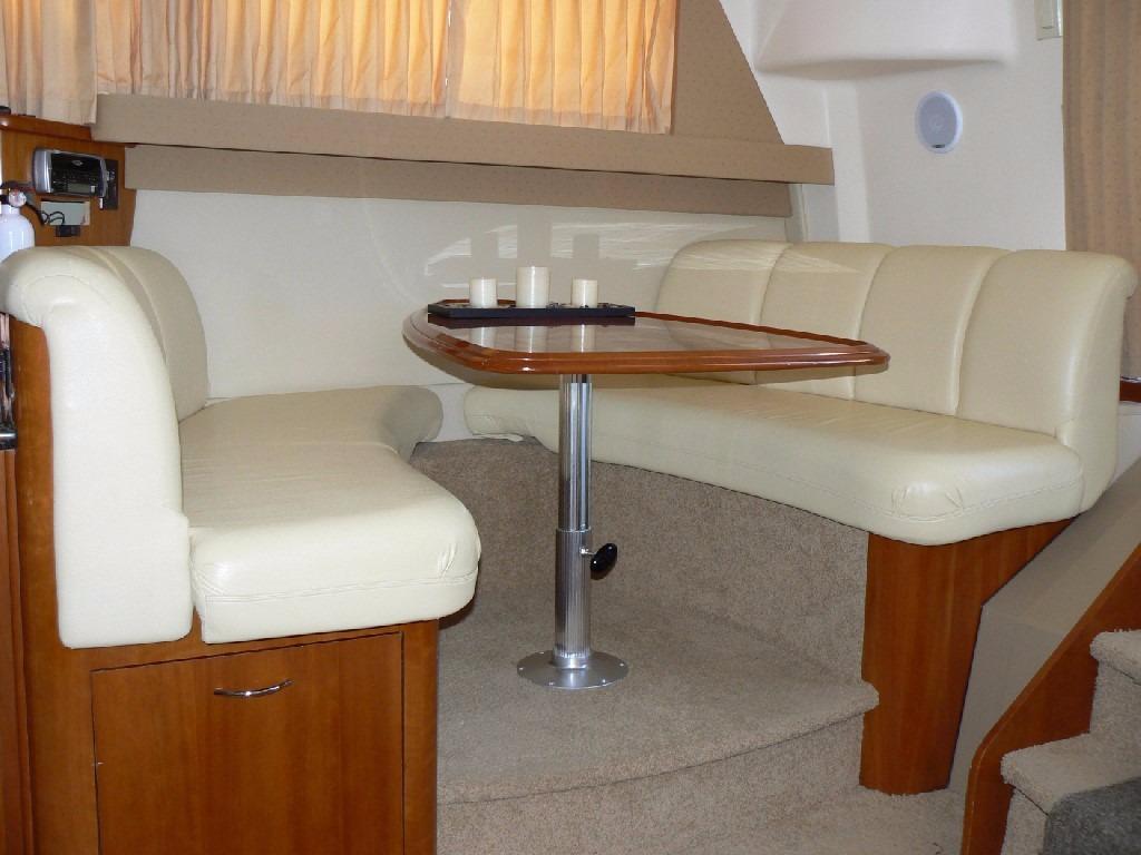 Carver 360 Mariner - Booth Dinette