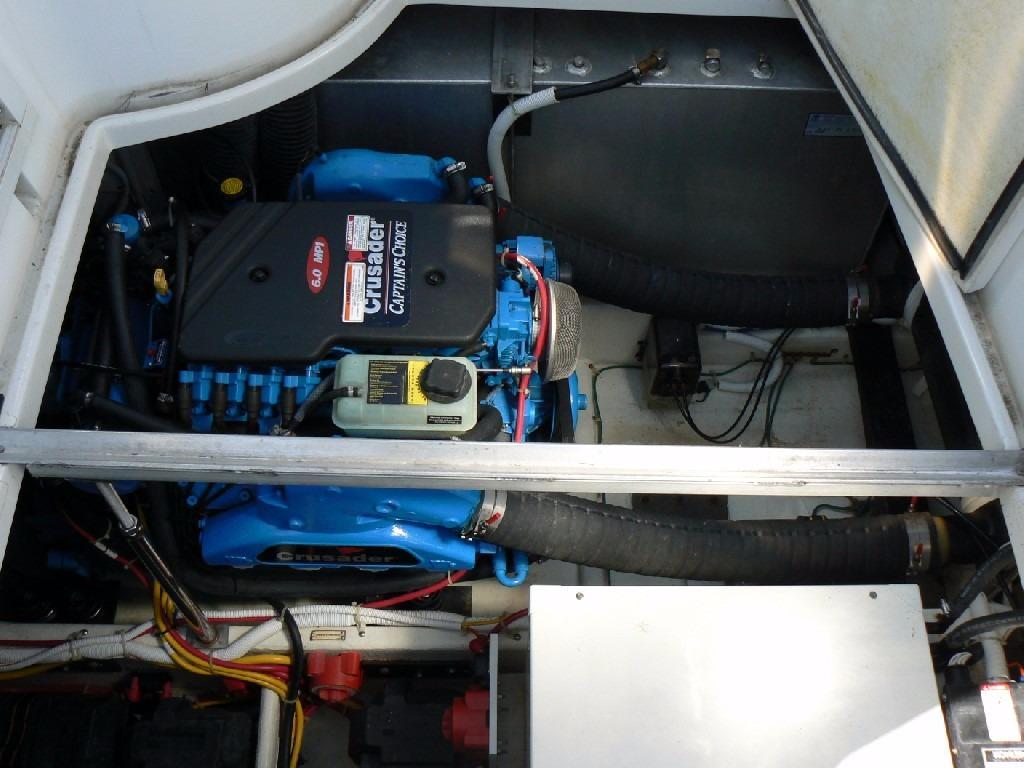 Carver 360 Mariner - Cockpit Engine Room Access