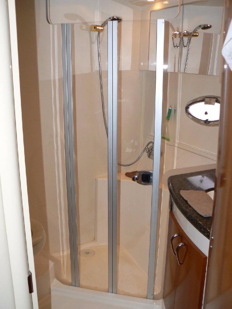 Carver 360 Mariner - Stall Shower