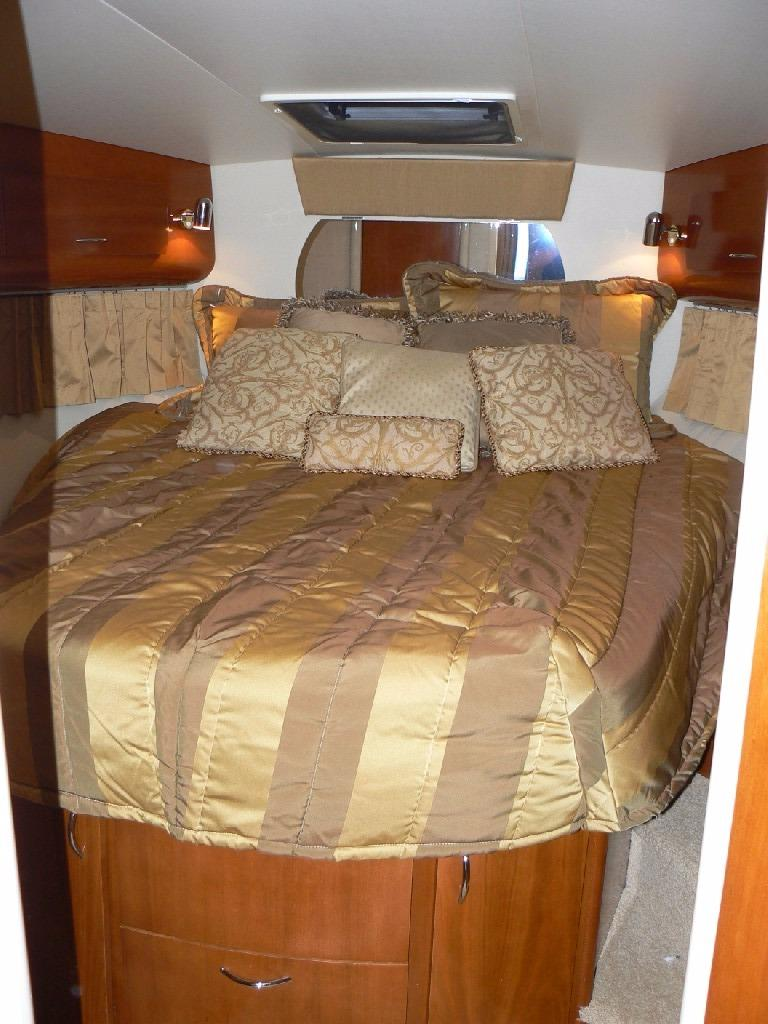 Carver 360 Mariner - Island Queen Berth