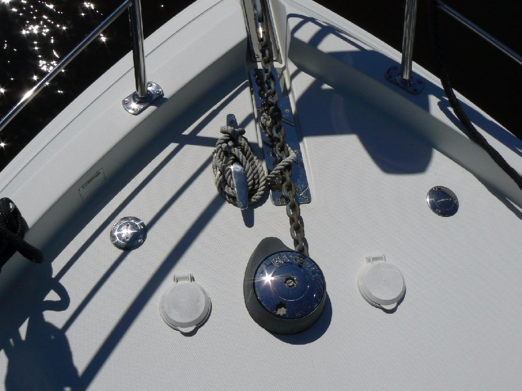 Carver 360 Mariner - Anchor Windlass