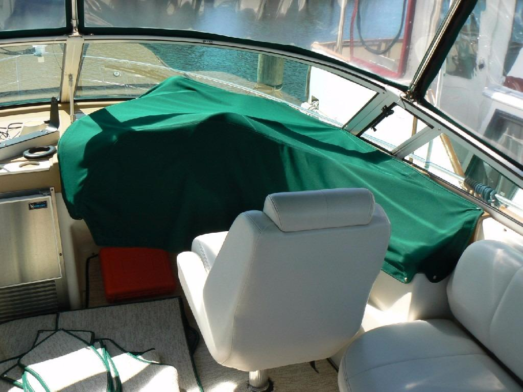 Carver 360 Mariner - Helm Cover