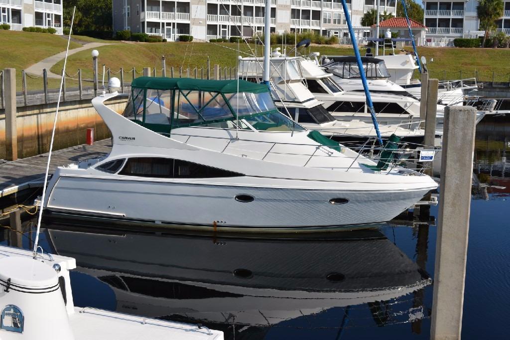 Carver 360 Mariner - Starboard Side