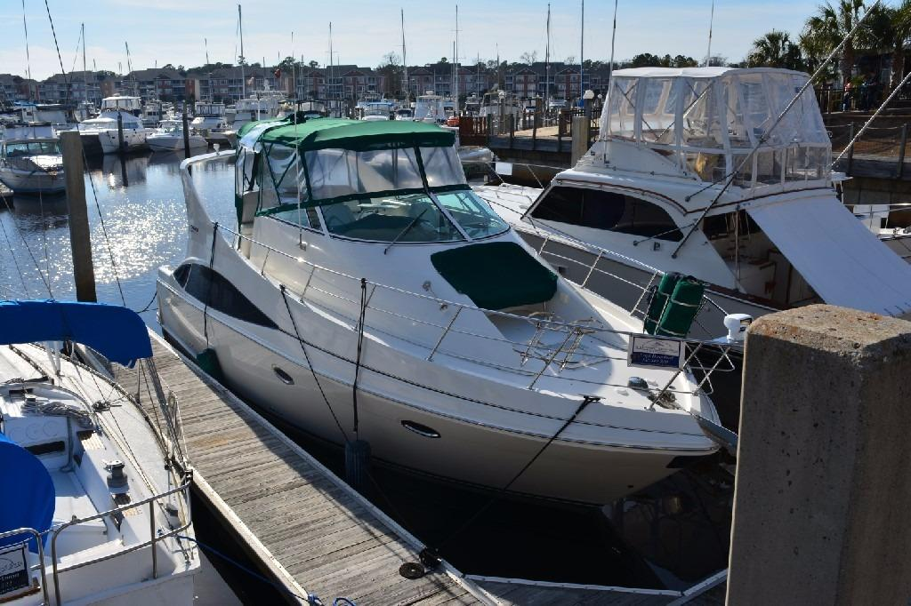 Carver 360 Mariner - Starboard Bow