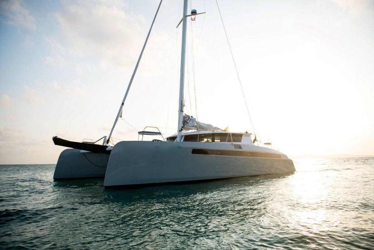 Catamaran Alibi Boat image