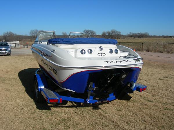 2014 Tahoe boat for sale, model of the boat is Q5i & Image # 3 of 38