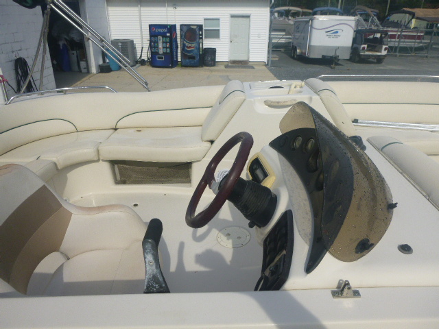 2005 Azure boat for sale, model of the boat is AZ210 & Image # 5 of 13