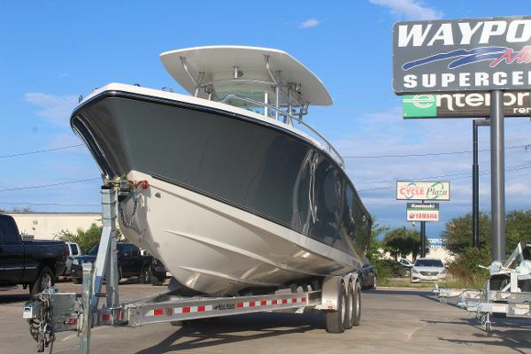 2020 Mako boat for sale, model of the boat is 284 CC & Image # 3 of 50