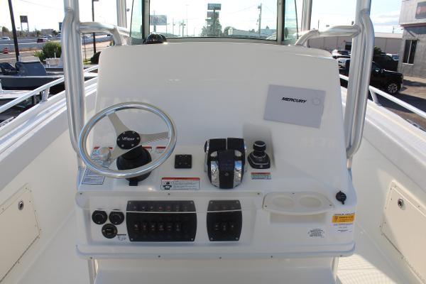 2020 Mako boat for sale, model of the boat is 284 CC & Image # 12 of 50
