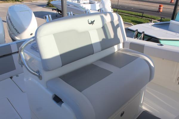 2020 Mako boat for sale, model of the boat is 284 CC & Image # 20 of 50