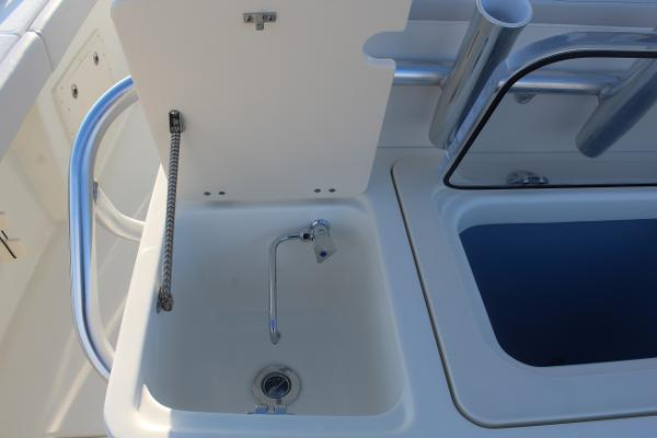 2020 Mako boat for sale, model of the boat is 284 CC & Image # 22 of 50