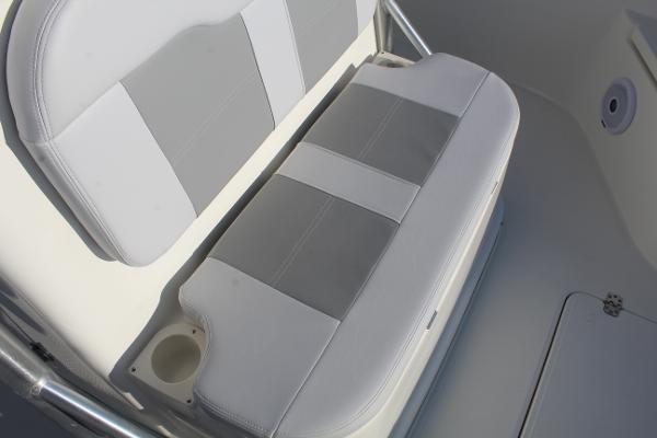 2020 Mako boat for sale, model of the boat is 284 CC & Image # 28 of 50