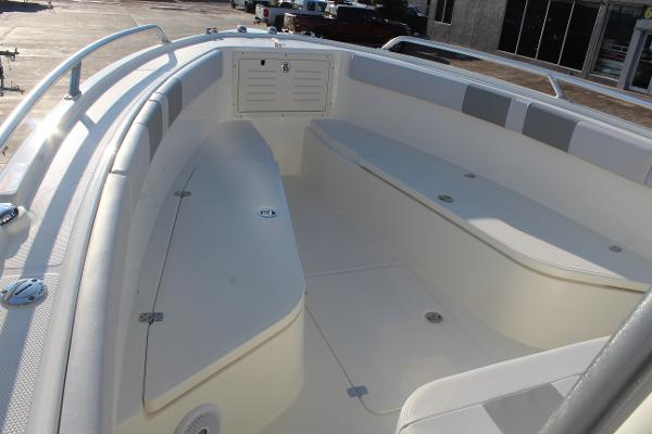 2020 Mako boat for sale, model of the boat is 284 CC & Image # 30 of 50