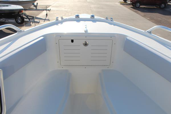 2020 Mako boat for sale, model of the boat is 284 CC & Image # 34 of 50