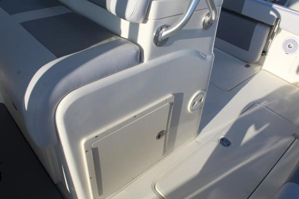 2020 Mako boat for sale, model of the boat is 284 CC & Image # 38 of 50