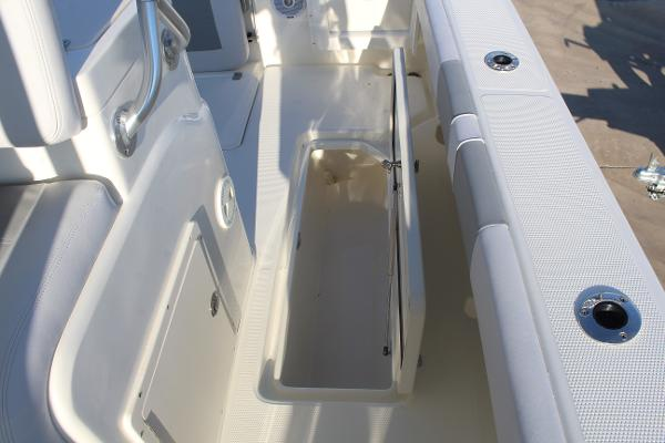 2020 Mako boat for sale, model of the boat is 284 CC & Image # 41 of 50