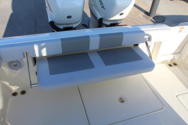 2020 Mako boat for sale, model of the boat is 284 CC & Image # 43 of 50