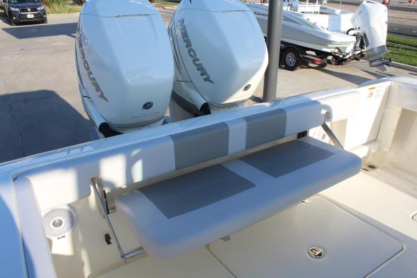 2020 Mako boat for sale, model of the boat is 284 CC & Image # 44 of 50