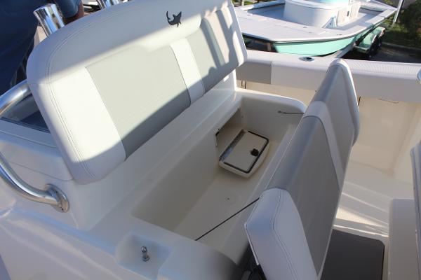 2020 Mako boat for sale, model of the boat is 284 CC & Image # 45 of 50