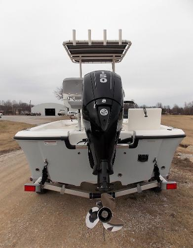 2019 Mako boat for sale, model of the boat is 19 CPX & Image # 21 of 317