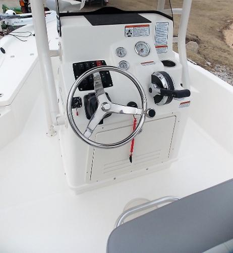 2019 Mako boat for sale, model of the boat is 19 CPX & Image # 26 of 317