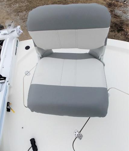 2019 Mako boat for sale, model of the boat is 19 CPX & Image # 36 of 317