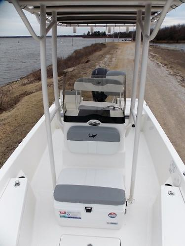 2019 Mako boat for sale, model of the boat is 19 CPX & Image # 41 of 317