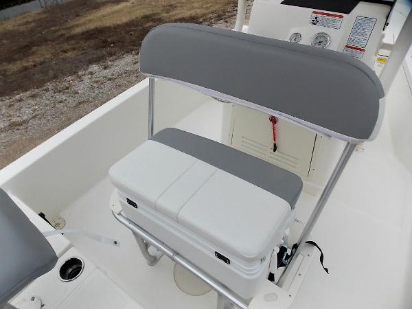 2019 Mako boat for sale, model of the boat is 19 CPX & Image # 46 of 317