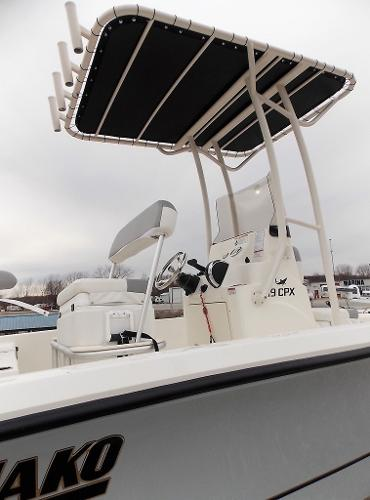 2019 Mako boat for sale, model of the boat is 19 CPX & Image # 66 of 317