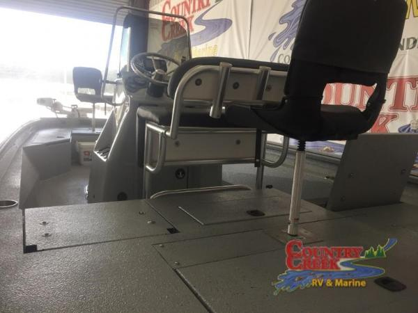 2018 Excel boat for sale, model of the boat is 220 Bay Pro & Image # 10 of 21