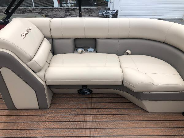 2021 Bentley boat for sale, model of the boat is Elite 253 Admiral & Image # 28 of 32