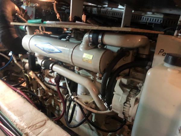 Carver 455 Motor Yacht Brokerage Sell