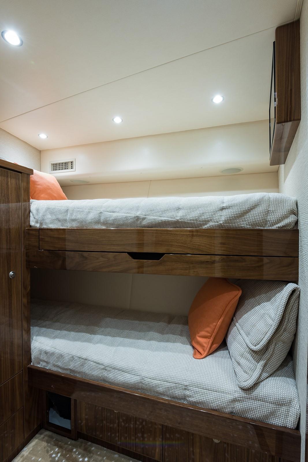 Forward Starboard Stateroom