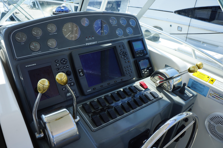 Pursuit 3400 Express - Photo: #22