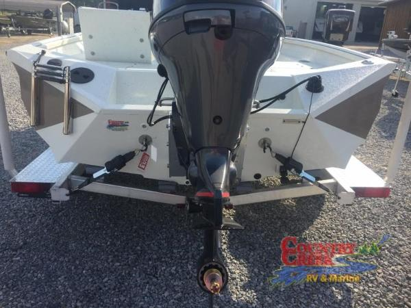 2018 Excel boat for sale, model of the boat is 203 Bay Pro & Image # 5 of 21