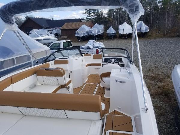 2020 Bayliner boat for sale, model of the boat is DX2200 & Image # 5 of 13