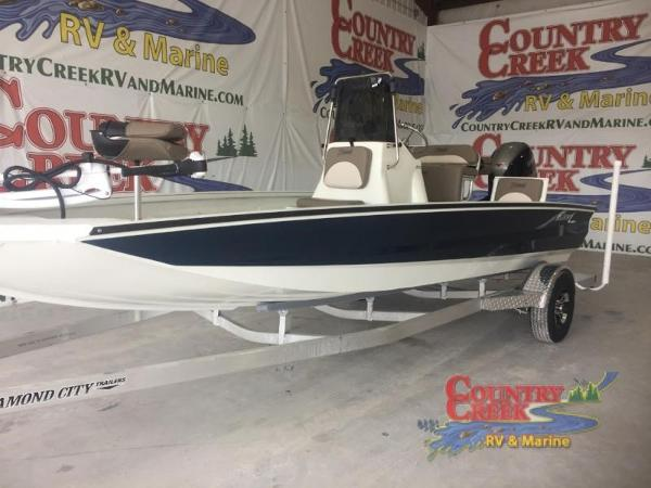 2018 Excel boat for sale, model of the boat is 203 Bay Pro & Image # 1 of 20