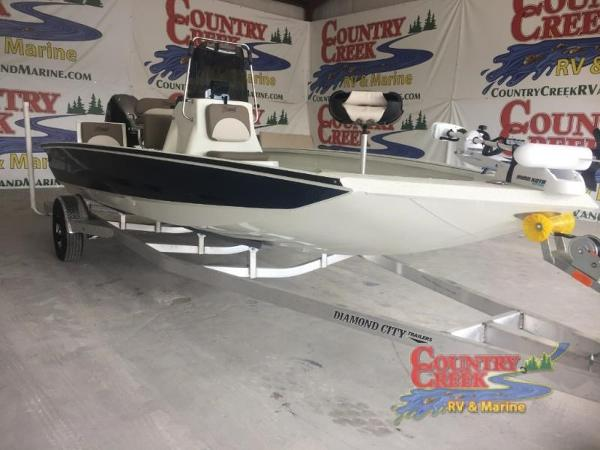 2018 Excel boat for sale, model of the boat is 203 Bay Pro & Image # 7 of 20