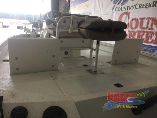 2018 Excel boat for sale, model of the boat is 203 Bay Pro & Image # 10 of 20