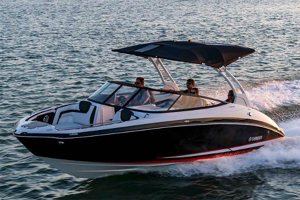 2020 Yamaha boat for sale, model of the boat is 242SE & Image # 1 of 7