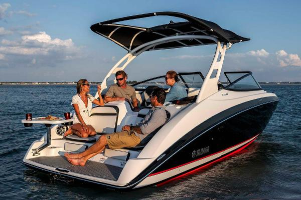 2020 Yamaha boat for sale, model of the boat is 242SE & Image # 2 of 7