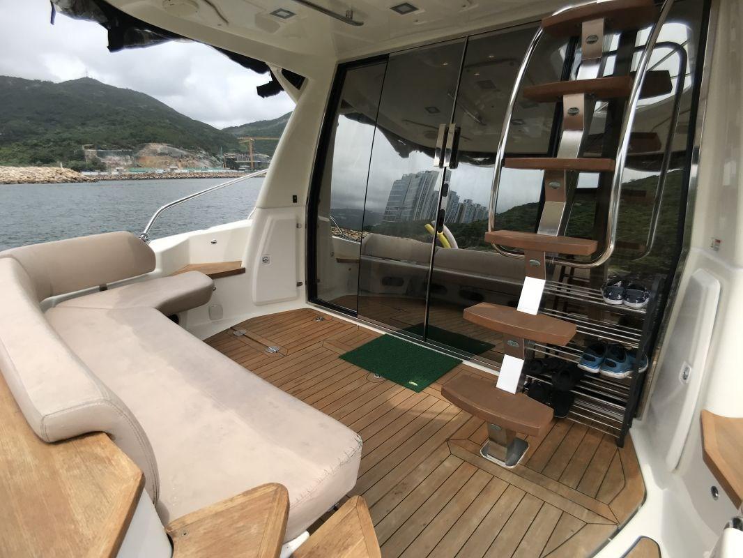 Cranchi Atlantique 43 Cockpit